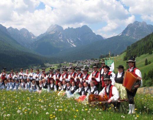 gruppo di ballo popolare holzhockar sappada