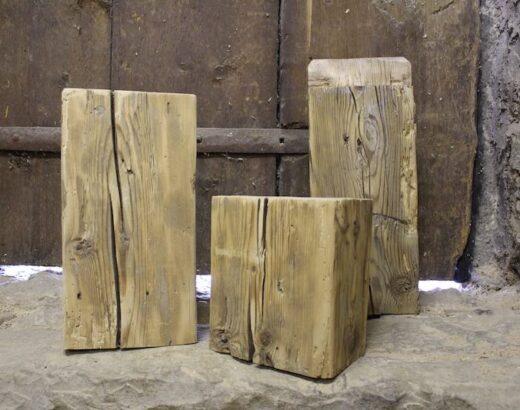 Pezzi di legno antico per luci dolomiti