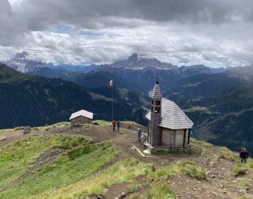 Vetta del Col di Lana con chiesetta