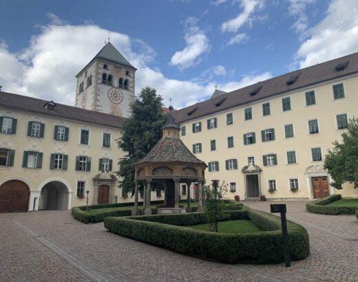 cortile abbazia novacella